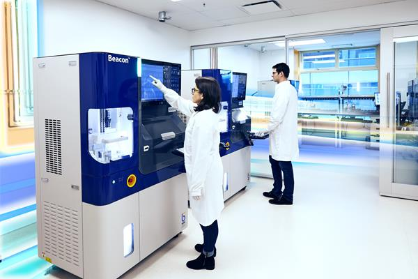 The Beacon platform, created by Berkeley Lights, Inc, is uniquely designed to carefully and specifically isolate, monitor and assay almost any cell type.