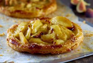 Apple Fig Crostada