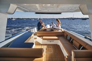 Aviara Boats AV36 Entertaining