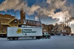 2_medium_LyndenTransport-ShippingtoAlaska.jpg