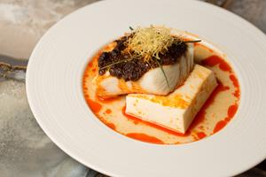 麻辣太平洋哈利拔魚Ocean Wise Steamed Halibut with Tofu and Szechuan Peppercorn Sauce