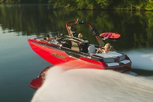 Malibu Boats M220